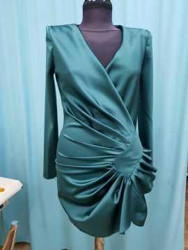 Kadikoy Kisiye Ozel Elbise Dikimi Elbise Tadilati Terzi Inci Bay Bayan Tarzinda Koleksiyon Toplu Siparis Fason