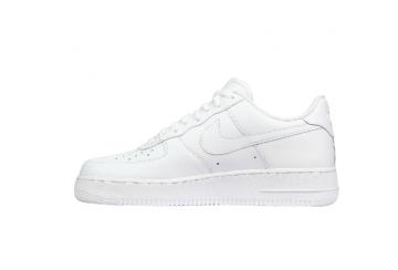 Air Force 1 07 - Spor Ayakkabı, Beyaz. Nike